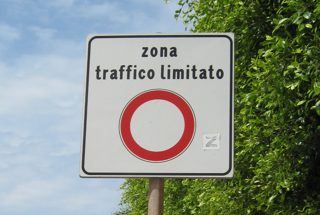 Zona Traffico Limitato ZTL Straßenschild uvars.eu