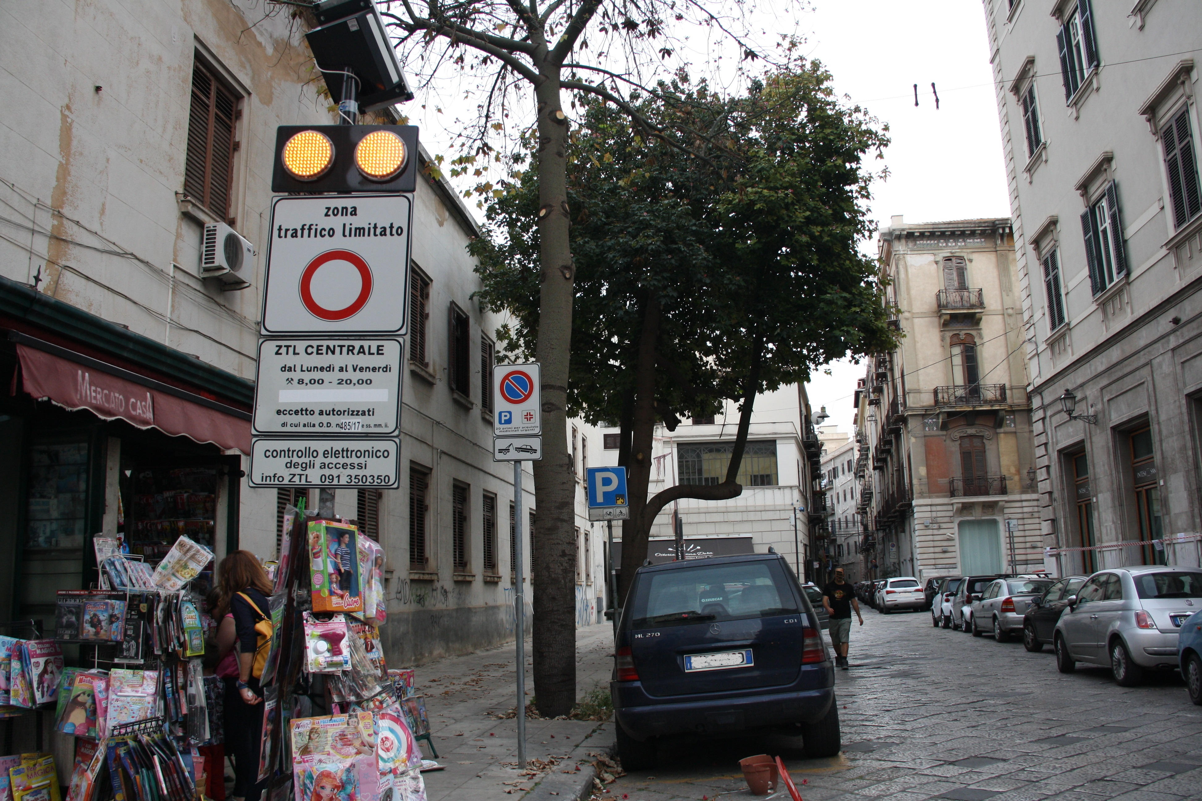 Palermo ZTL Road Sign