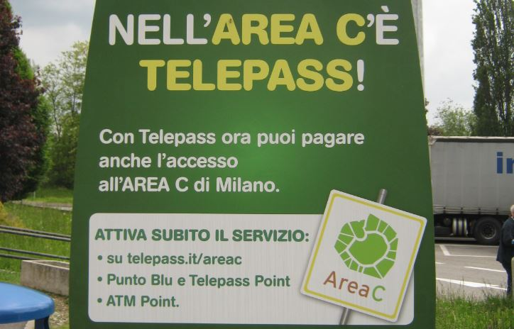 Milano Area C sign Telepass