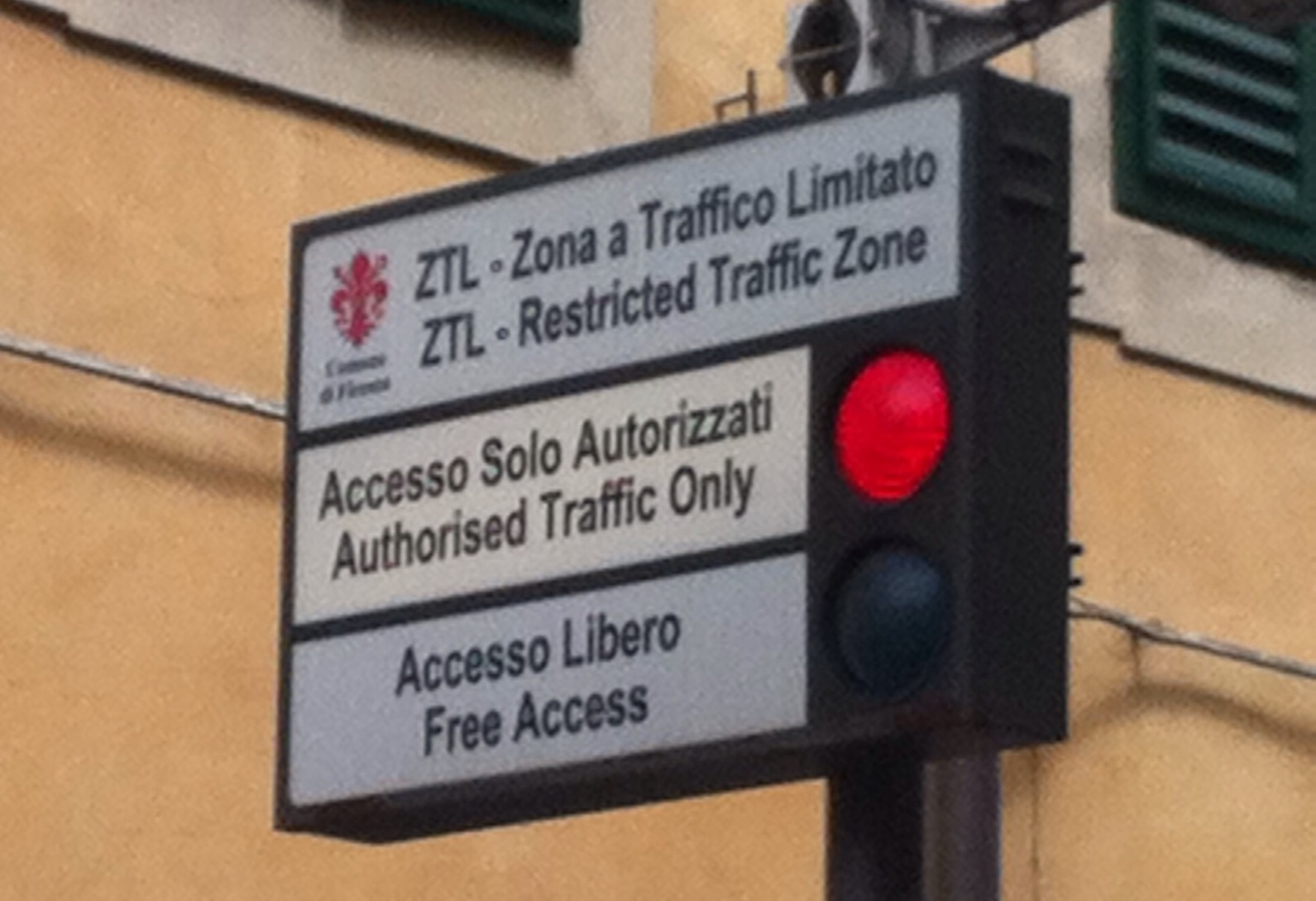 Panneau de signalisation italien ZTL