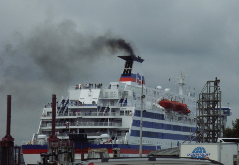 car ferry exhaust emitting
