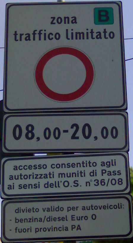 Palermo Low Emission Zone Road Sign