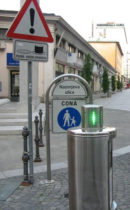 Slofenia Ljubljana arwydd ffordd rheoleiddio mynediad